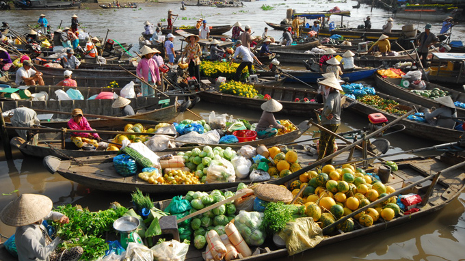 Tours cai be floating market